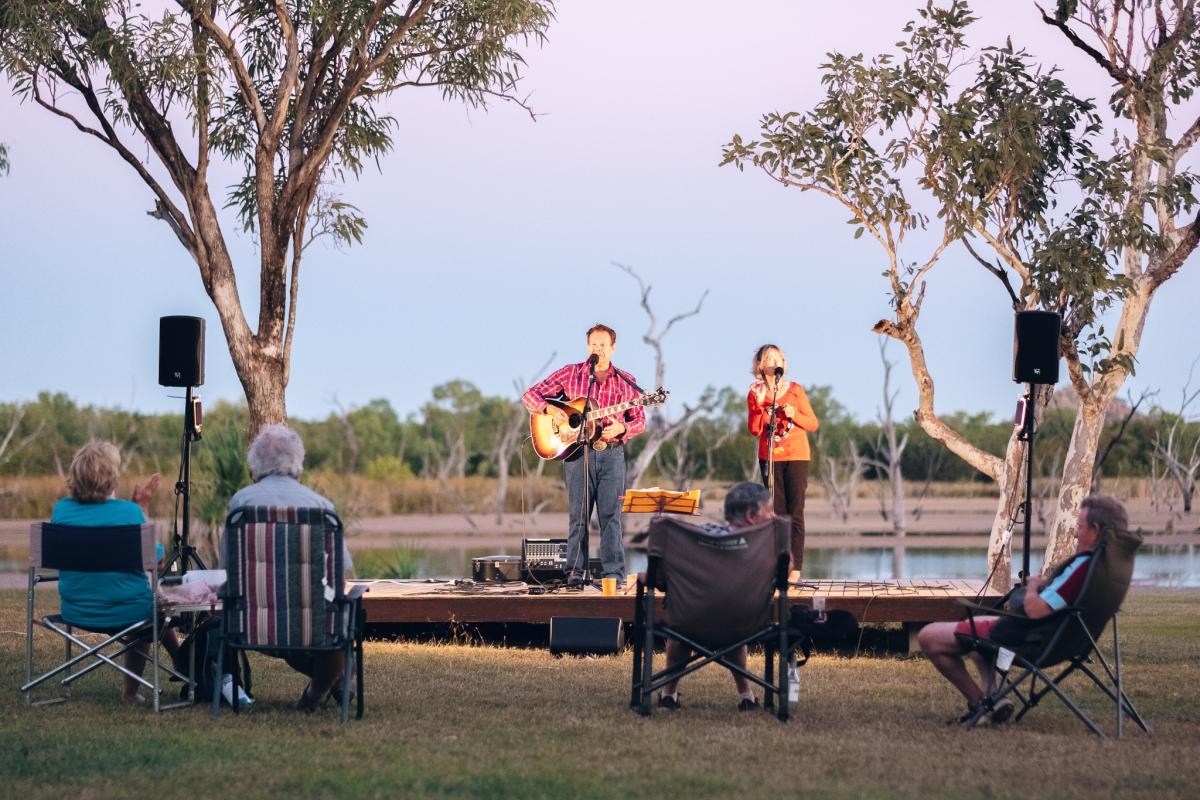 Entertainment Sundowners at Kimberleyland