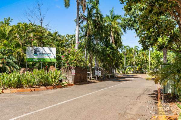 Entrance into Kimberleyland Waterfront Holiday Park Kununurra