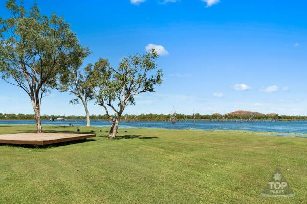 Caravan Park Foreshore at Kimberleyland in Kununurra