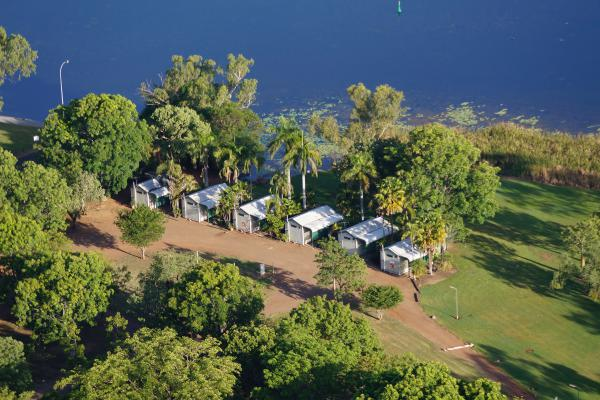 Waterfront Lakeview Accommodation Cabins