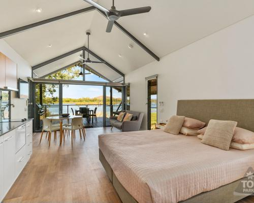 Studio Waterfront Apartment at Kimberleyland in Kununurra