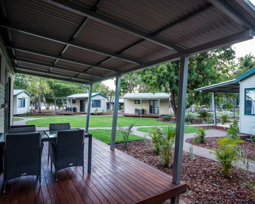 Poolside Cabins at Kimberleyland